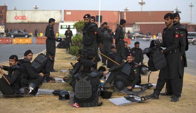 Μαζική δολοφονία μεταναστών στο Πακιστάν