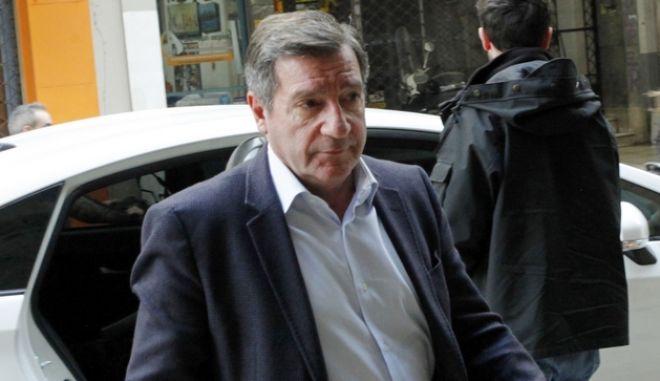 O δήμαρχος Αθηναίων, Γιώργος Καμίνης, προσέρχεται στη συνεδρίαση του Πολιτικού Συμβουλίου του Κινήματος Αλλαγής