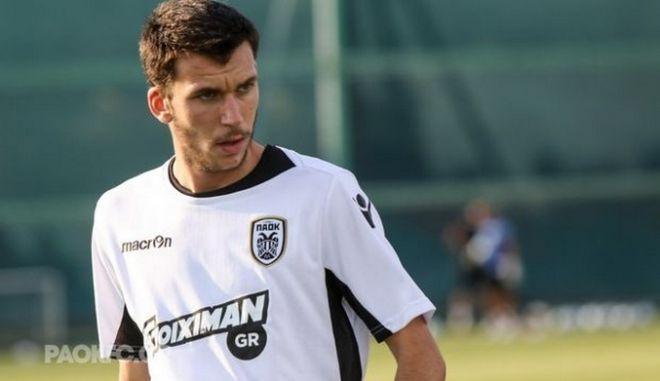 """Μελιόπουλος: """"Οι νέοι να παρατήσουν το ποδόσφαιρο"""""""