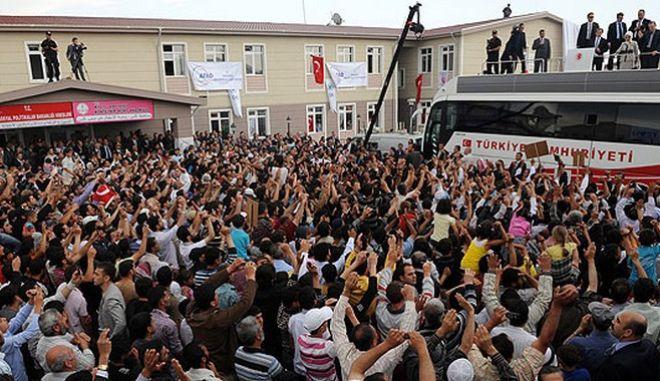 Ο Ερντογάν προτείνει τουρκική πόλη για το νόμπελ ειρήνης σχετικά με το προσφυγικό