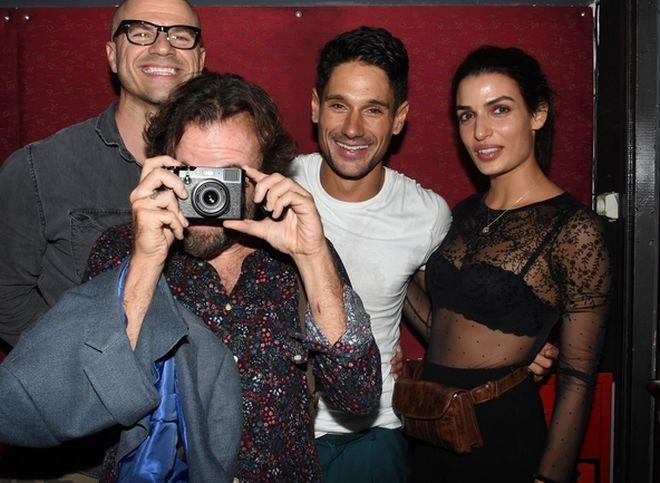 Ο ηθοποιός Χρήστος Βασιλόπουλος πριν φύγει για Nomads , ο Κωστής Μαραβέγιας, ο Πάνος Βλάχος και η Τόνια Σωτηροπούλου