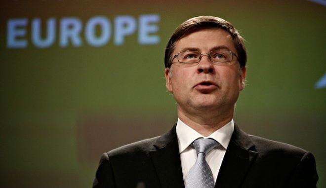Ντομπρόβσκις: Εφικτή η συμφωνία εντός του Μαΐου