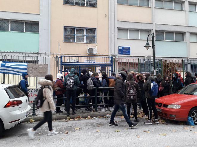 Καταλήψεις για τη Μακεδονία σε όλη τη χώρα - Αντιφασιστικά καλέσματα