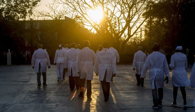 Εθελοντές γιατροί από την Κούβα