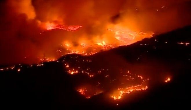 Καρέ από τη φωτιά στο Γκραν Κανάρια