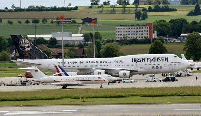 Ποια Μέρκελ και ποιος Ολάντ; Οι Iron Maiden είναι τα αφεντικά στο αεροδρόμιο