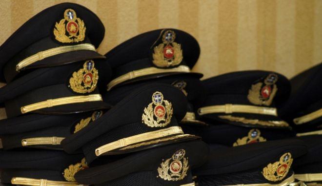 Πηλήκια αξιωματικών της πυροσβεστικής