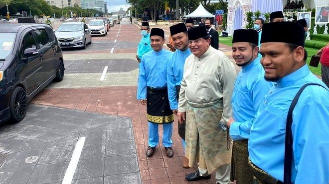 Covid-safe γάμος με 10.000 καλεσμένους στη Μαλαισία - Πώς το κατάφεραν