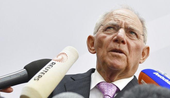 Σόιμπλε: Χωρίς ΔΝΤ, δεν έχει λεφτά για την Ελλάδα