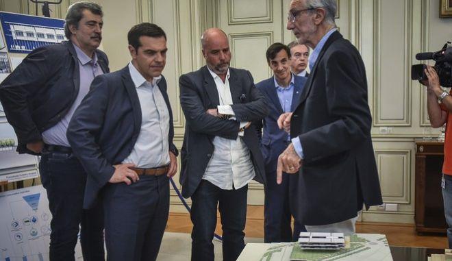 Από τη συνάντηση του πρωθυπουργού με τον Α. Δρακόπουλο