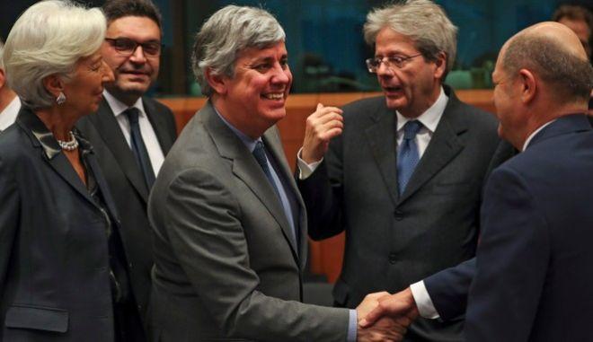 """Μέσα από ένα ασφυκτικό """"ΕΣΠΑ"""" τα 32 δισ. προς την Ελλάδα"""