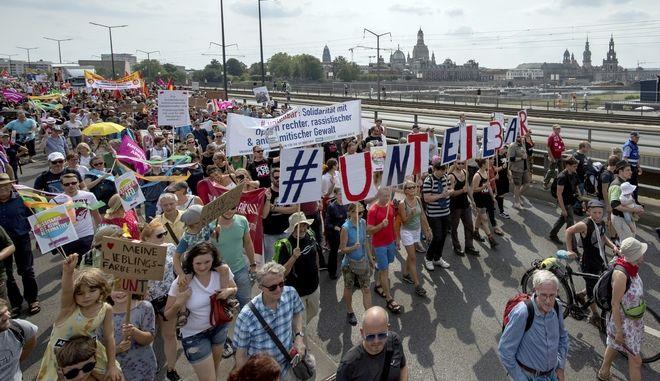 Πορεία κατά της ακροδεξιάς στη Δρέσδη