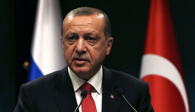 Turkey's President Recep Tayyip Erdogan speaks during a news conference after the talks with Russian President Vladimir Putin in Ankara, Turkey, Thursday, Sept. 28, 2017. Russian President Vladimir Putin is Ankara for talks with Erdogan on developments in Iraq and Syria, and Turkey's decision to purchase a Russian-made missile defense system. (AP Photo/Burhan Ozbilici)