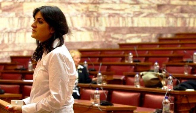 Διαπραγμάτευση υπό τη σκιά της Παναρίτη