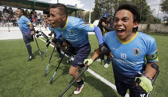 Οι παίκτες της ομάδας Android από τον Ισημερινό