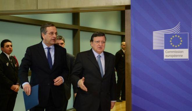 ΒΡΥΞΕΛΛΕΣ-Η Ελληνική Προεδρία και η πορεία της οικονομίας είναι τα βασικά θέματα που συζητήθηκαν στη διάρκεια της σημερινής επίσκεψης του πρωθυπουργού Αντώνη Σαμαρά και έξι υπουργών και υφυπουργών, στο κολλέγιο των επιτρόπων.(EUROKINISSI-ΓΟΥΛΙΕΛΜΟΣ ΑΝΤΩΝΙΟΥ)