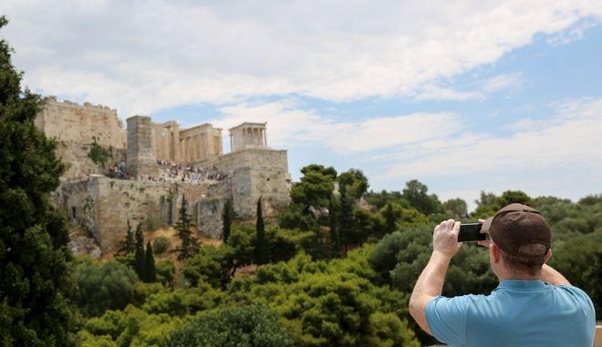 Στιγμιότυπα τουριστών στην Αθήνα