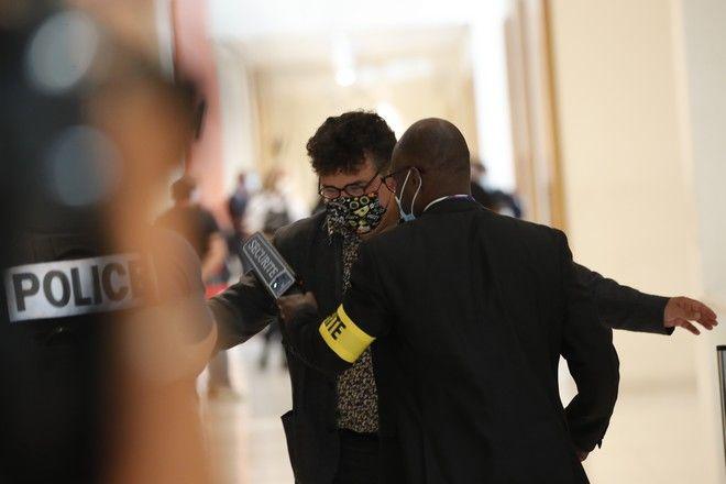 Ο Δρ. Patrick Pelloux, που είχε φτάσει στο σημείο αμέσως μετά την επίθεση, στο δικαστήριο