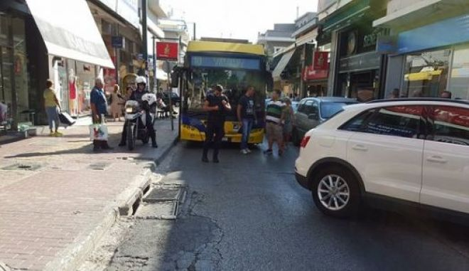 Παρκάρισμα για Όσκαρ στο Χαλάνδρι [photo]