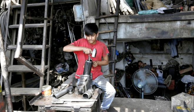 Ανήλικος εργάτης στο Πακιστάν