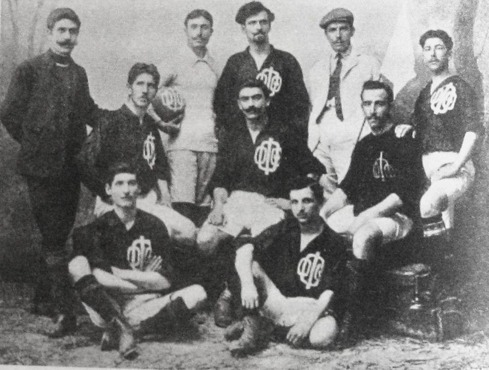 Η ποδοσφαιρική ομάδα του Ομίλου  Φιλομούσων Θεσσαλονίκης, η οποία πήρε μέρος στους Αγώνες του 1906.
