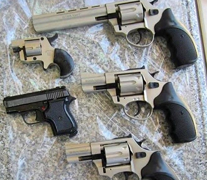Στη φάκα της ΕΛ.ΑΣ. εγκληματικές οργανώσεις που διακινούσαν όπλα και πυρομαχικά σε όλο τον κόσμο