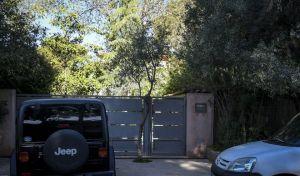 Το σπίτι στην Κηφισιά όπου το πρωΐ της Μεγ. Δευτέρας  πυροβόλησαν τον 52χρονο επιχειρηματία, Αλέξανδρο Σταματιάδη