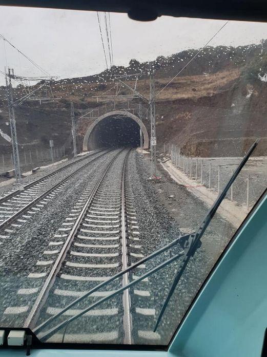 Καρέ καρέ η παράδοση σε χρήση της νέας σιδηροδρομικής γραμμής Τιθορέα – Δομοκός