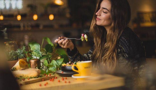 4 απλά tips της ειδικού για να αδυνατίσεις στην καραντίνα- Γίνονται και θαύματα