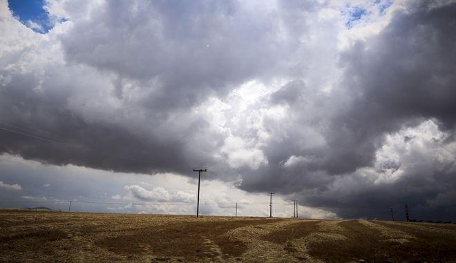 Σύννεφα στον ουρανό σε περιοχή της Κοζάνης