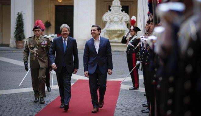 Διημερής συνάντηση του Έλληνα Πρωθυπουργού Αλέξη Τσίπρα με τον Ιταλό ομόλογο του Πάολο Τζεντιλόνι. Η συνάντηση πραγματοποιήθηκε στα πλαισια της συνόδου των νότιων χωρών που λαμβάνει χώρα στη Ρώμη. Τετάρτη 10/1/2018. (EUROKINISSI/ΓΡ. ΤΥΠΟΥ ΠΡΩΘΥΠΟΥΡΓΟΥ/ Andrea Bonetti)
