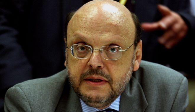 Στιγμιότυπο απο την ενημέρωση που έκανε στους δημοσιογράφους της Ελληνικής αποστολής ο Κυβερνητικός Εκπρόσωπος Βαγγέλης Αντώναρος,στο περιθώριο της συνεδρίασης της Συνόδου Κορυφής της Ε.Ε στις Βρυξέλλες,Πέμπτη 18 Ιουνίου 2009 (EUROKINISSI/ΤΑΤΙΑΝΑ ΜΠΟΛΑΡΗ)