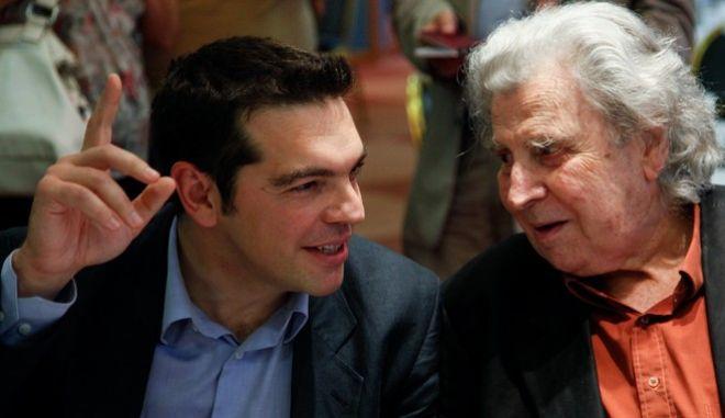 Ο Αλέξης Τσίπρας με τον Μίκη Θεοδωράκη, φωτογραφία αρχείου