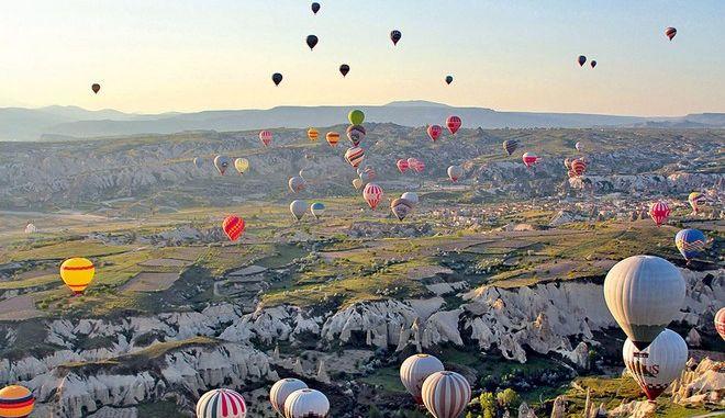Αδειάζει από τουρίστες η Τουρκία