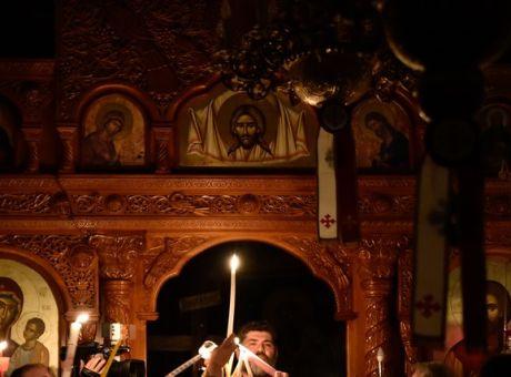 Πάσχα: Πώς θα εορταστεί απόψε η Ανάσταση στις Εκκλησίες της χώρας -  Κοινωνία | News 24/7