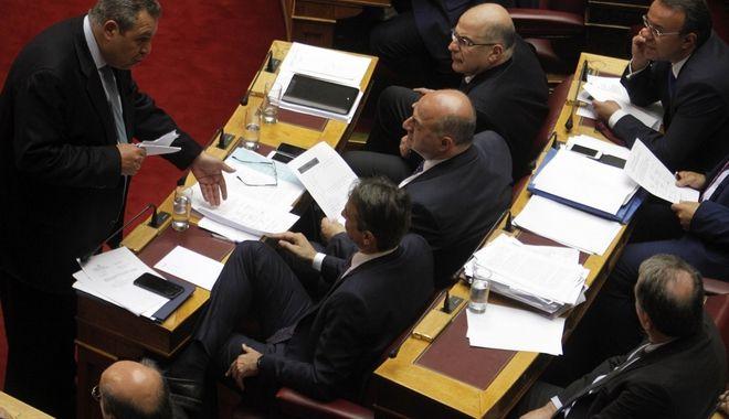 Συζήτηση, για δεύτερη ημέρα, στην Ολομέλεια ατης Βουλής, των άρθρων και του συνόλου του σχεδίου νόμου του Υπουργείου Οικονομικών