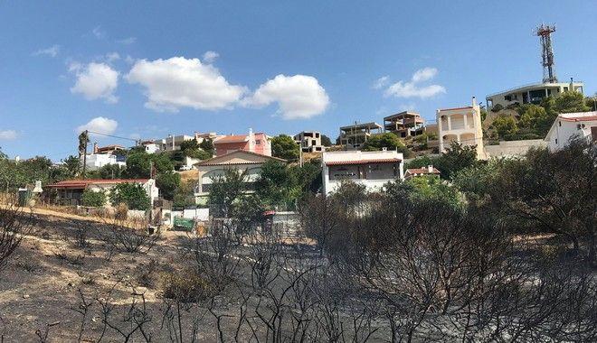 Το σημείο που ξεκίνησε η φωτιά στην Σαρωνίδα