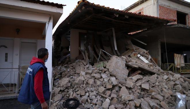 Ζημιές στο Δαμάσι μετά τον ισχυρό σεισμό στην Ελασσόνα.