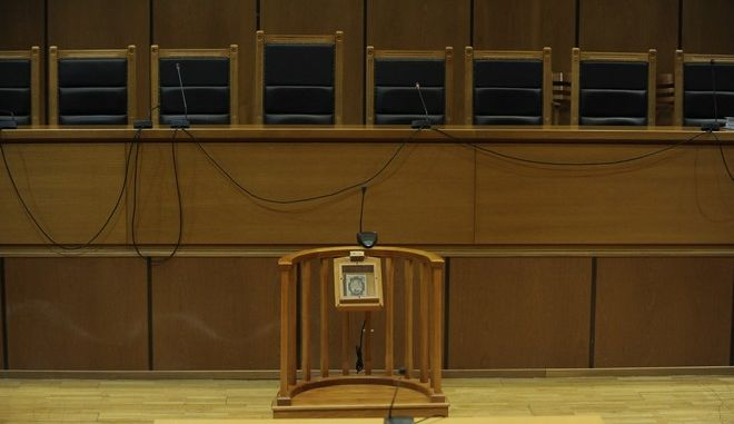 Δίωξη κατά της προέδρου των συμβολαιογράφων Θεσσαλονίκης