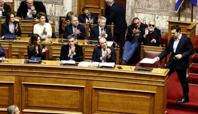 Συζήτηση στην Ολομέλεια της Βουλής του πολυνομοσχεδίου με τα προαπαιτούμενα για την ολοκλήρωση της γ' αξιολόγησης, την Δευτέρα 15 Ιανουαρίου 2018. (EUROKINISSI/ΓΙΩΡΓΟΣ ΚΟΝΤΑΡΙΝΗΣ)