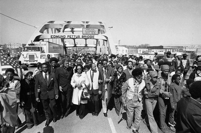 Η Κορέττα Σκοτ Κινγκ στην κεφαλή της πορείας δέκα χρόνια μετά την ¨Ματωμένη Κυριακή