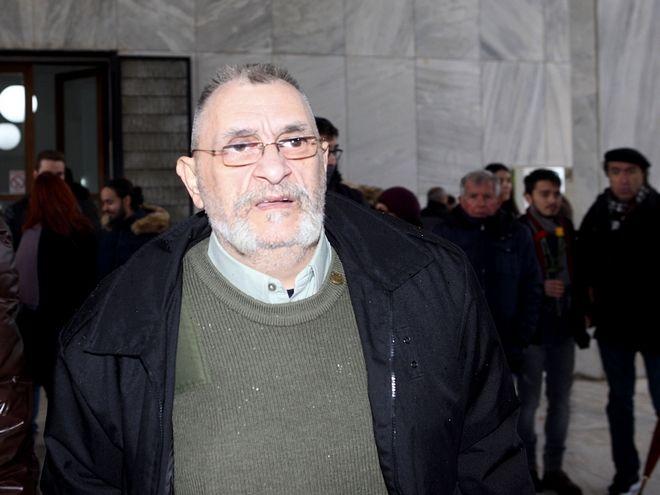 Ο Ιάσονας Τριανταφυλλίδης στην κηδεία του Θάνου Μικρούτσικου