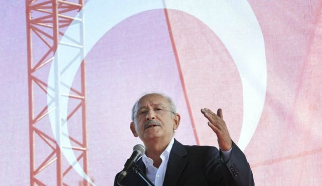 """Kemal Kilicdaroglu, leader of Turkey's main opposition Republican's People Party, or CHP, talks during an event his party is calling """"Justice Council"""" in Canakkale, Turkey, Saturday, Aug. 26, 2017. The party says they are aiming to build a new approach for their party through this 4-day open event, to be attended by the leader, CHP lawmakers, several NGOs and supporters. (AP Photo)"""