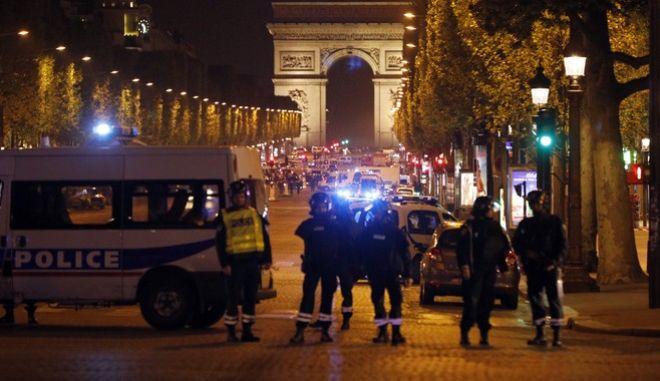 Το Ισλαμικό Κράτος ανέλαβε την επίθεση στο Παρίσι