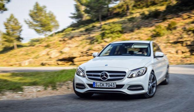 Η Mercedes ανακαλεί 3 εκατ. πετρελαιοκίνητα οχήματα