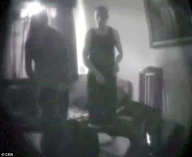 Βίντεο: Ρώσος Μαφιόζος κάνει σεξ με ακτιβίστρια στο κελί του