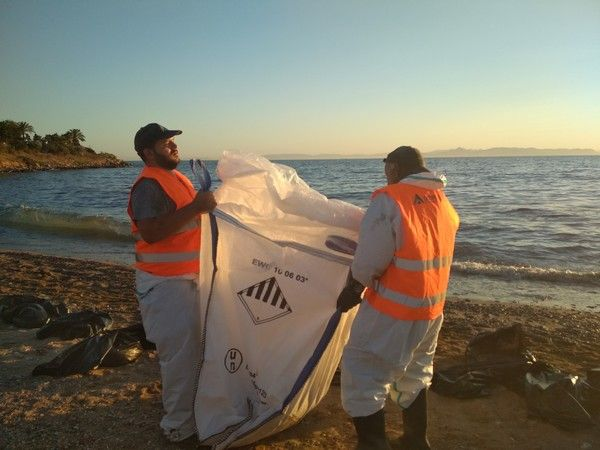 'Μαύρος' εφιάλτης στις ακτές της Αττικής
