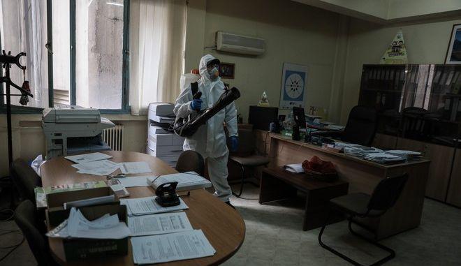 Προληπτική απολύμανση στους χώρους του υπουργείου Αγροτικής Ανάπτυξης