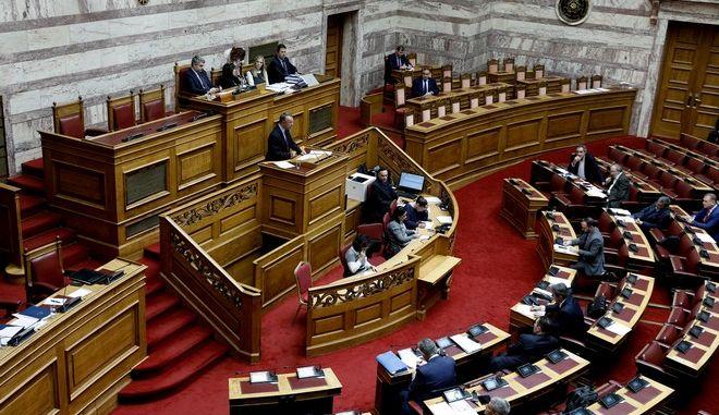Βουλή: Υπερψηφίστηκε η τροπολογία για τη ΛΑΡΚΟ