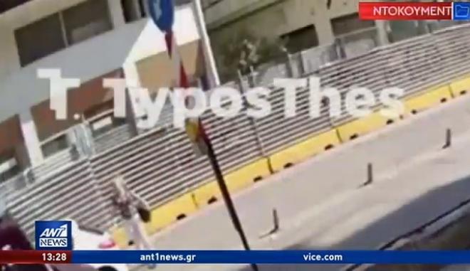Βίντεο: Η σοκαριστική στιγμή που αυτοκίνητο παρασέρνει γυναίκα στη Θεσσαλονίκη
